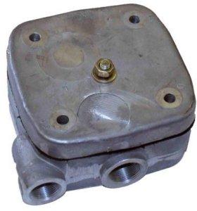 Головка 1 цилиндрического компрессора