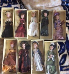 Коллекция фарфоровых кукол разных эпох