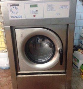 Продам профессиональную стиральную машинуDANUBE 13