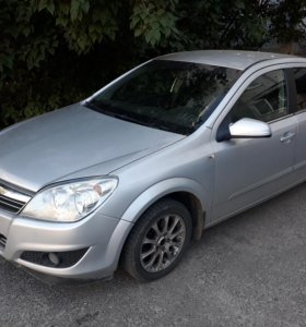 Opel Astra 1.8at седан