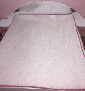 Кровать двуспальная с прикроватными тумбами