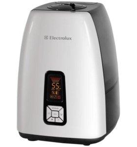 Увлажнитель Electrolux EHU 5515D