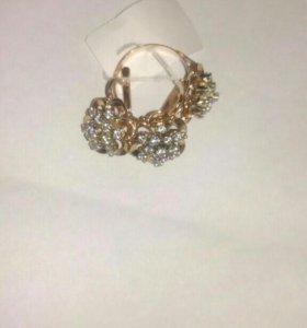 Набор кольцо и серьги. Золото 585