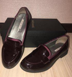 Кожаные школьные туфли для девочки Massimo Renne