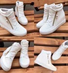 Ботинки женские новые!!!