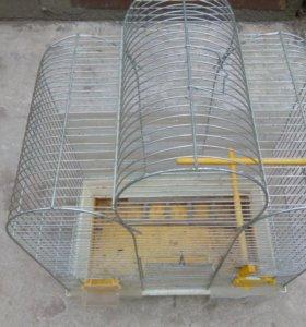 Клетка для попугая или других птиц.