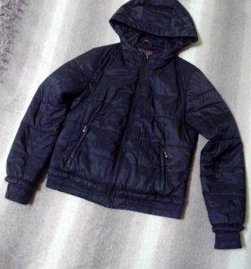 Спортивная чёрная куртка