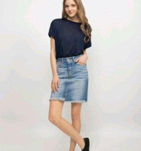 Модная джинсовая юбка с бахромой