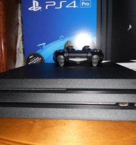 PlayStation 4 Pro 1TB (CUH-7008B) + игры