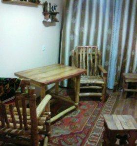 Гарнитур. Стол и два кресла.