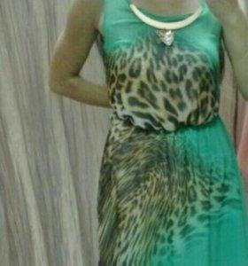 Шифоновое платье,красивое.40-42р.