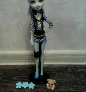 2 куклы монстер хай
