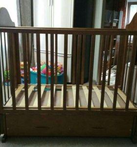 Кроватка детская маятник с матрацем