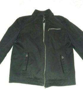 Куртка на замке. До пояса. 46-48(S,M).