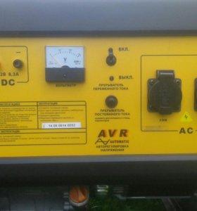 Продам Электрогенератор на бензине , на горантии