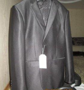 костюм мужской новый