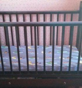Детская кроватка (матрас, подушка)
