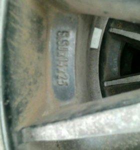 Продам колеса на литых дисках 185 R14 90T