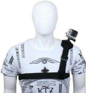 Крепление на плечо для экшн-камеры.