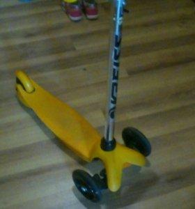 Самокат детский 3х-колесный ( со светящ. колесами)