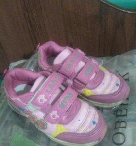 28 размер кроссовки