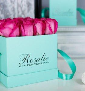 """Цветы в коробке от """"Rosalie flowers"""" Омск"""