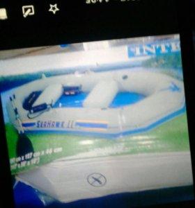 Продаётся новая надувная лодка 4-х местная недорог