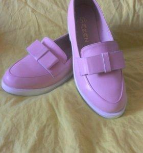 Туфли женские кремово-розового цвета