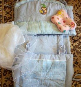 Бортики в кроватку, балдахин и подушечка