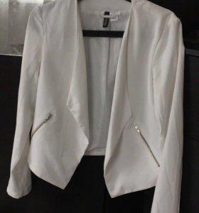 Пиджак 700, кофточка 700.