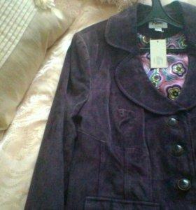 Новый замшевые женский пиджак.возможен торг.