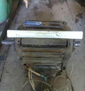 Электро двигатель на 380 вольт и конденсатор