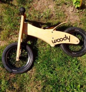 Woody беговел