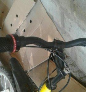 Спартивный велосипед Maxxpro