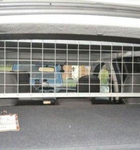 Перегородка салон-багажник
