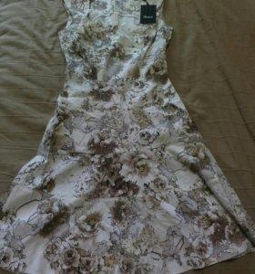 Платье новое фирмы Charuel 42 р