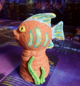Статуэтка рыбка из красной глины, ручная работа