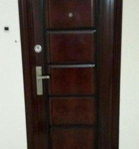 Дверь входная с замками, б/у