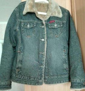 Женская джинсовая куртка.  48-50 размер. Б/У