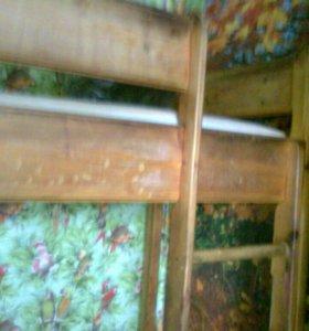 2-ярусную кровать с матрасами