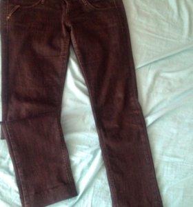 Чёрные джинсы46.48рр