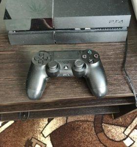 Продам PS 4 500 Гб  возможен торг не большой.