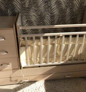 Детская кроватка с маятником , трансформер