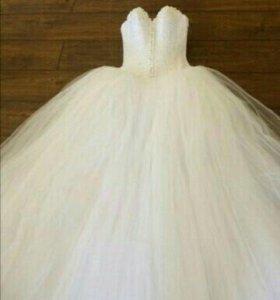 Пышное, красивое свадебное платье, не дорого!