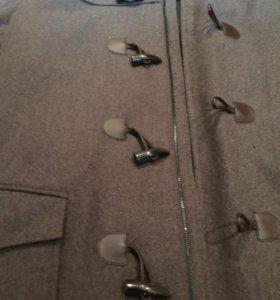 В Калиниграде Новое мужское фирменное пальто