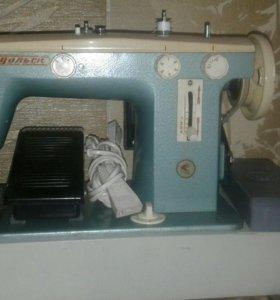 Многооперационная швейная машина