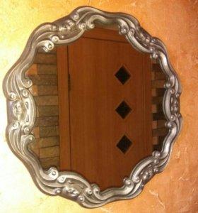 Сувенирное зеркало в литой оправе