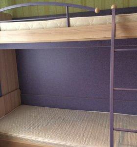 Двухъярусная кровать + 2-матраса