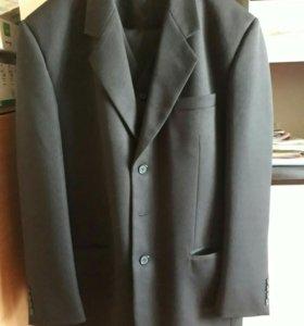 Продам мужской костюм (пиджак, желетка и брюки)