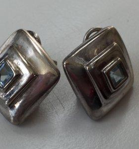 Серебряные брендовые серьги